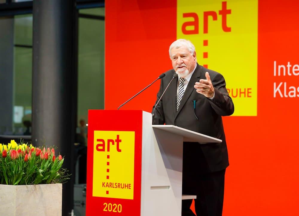 art KARLSRUHE: Kurator Ewald Karl Schrade eröffnet die Messe