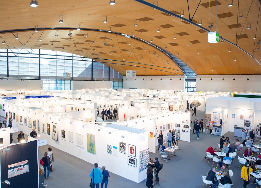 art KARLSRUHE: Themenbereich Editionen und Fotografie in Halle 1